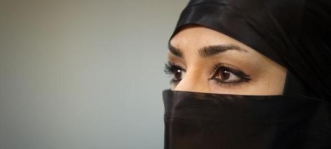 muslimwomanveil.jpg
